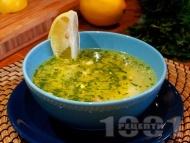 Класическа вкусна домашна пилешка супа с месо от филе, картофи, фиде и топла варена застройка